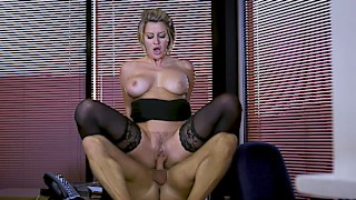 Office humping with hairy pussed british secretary Sienna Day