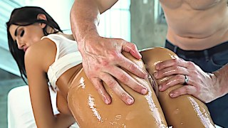 Sensual and kinky massage with an absolute stunner August Ames